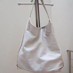 Supple White Leather Hobo Bag w Zipper Details